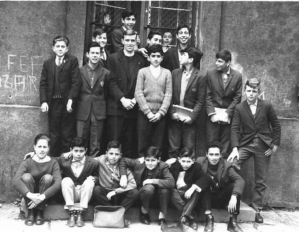 Peter Gelauff met pupillen in Valdivia 1965